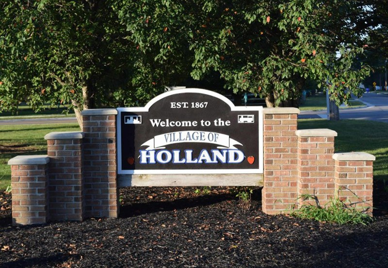Holland, OH sign